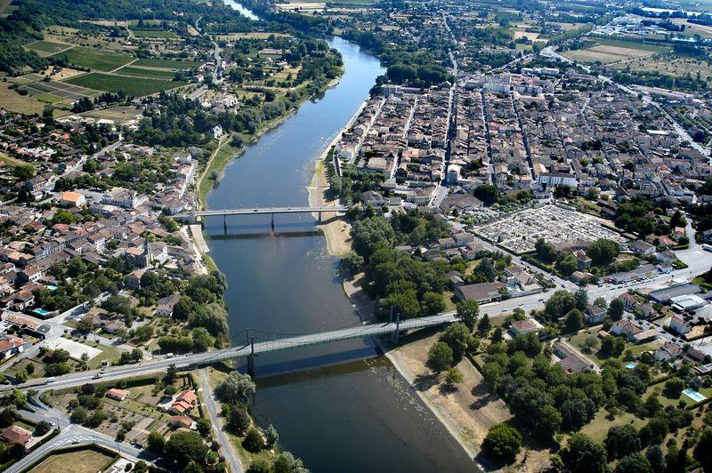 La route du vin de bordeaux en saint milion pomerol - Office du tourisme sainte foy la grande ...