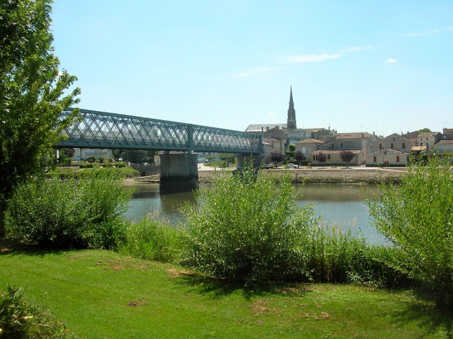 La route du vin de bordeaux en saint milion pomerol fronsac site de l 39 office de tourisme du - Office du tourisme st emilion ...