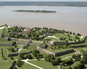 THE CITADEL OF BLAYE AND THE BOLT OF THE ESTUARY